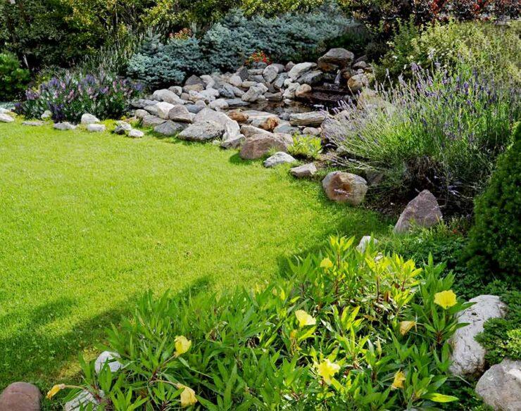 laghetto dell'hotel giardino