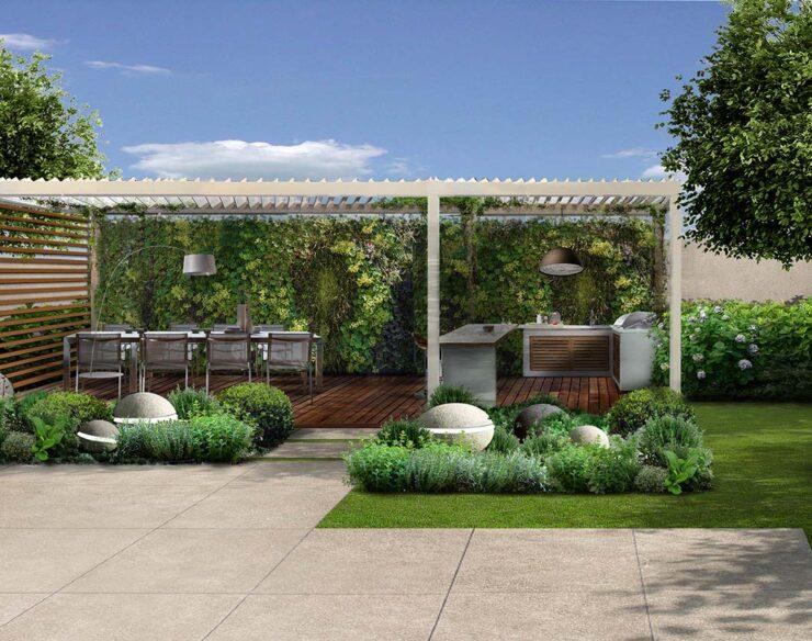 Il giardino della villa con pergola